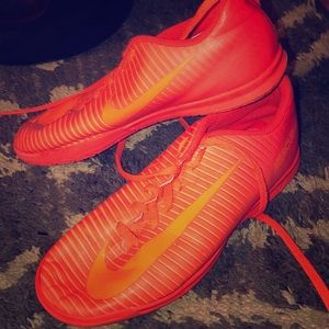 soccer shoes (indoor)